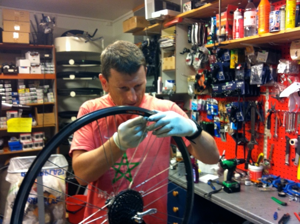 Replacing the broken spokes in Andernes.