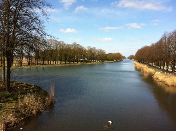 The view over the canal following the Dutch - Belgian border