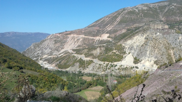 The road to Peshkopi