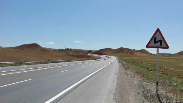 The road to Bojnurd