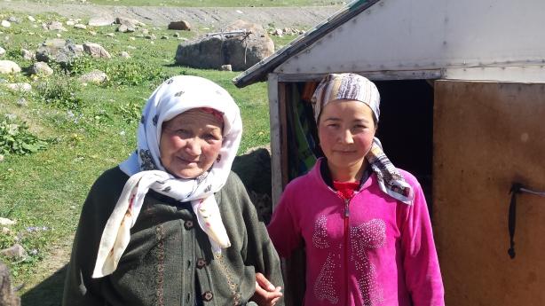 Yurt friends