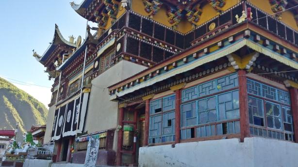 Temple in Xinlong
