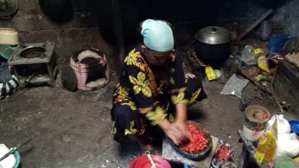 The grinding of chillies
