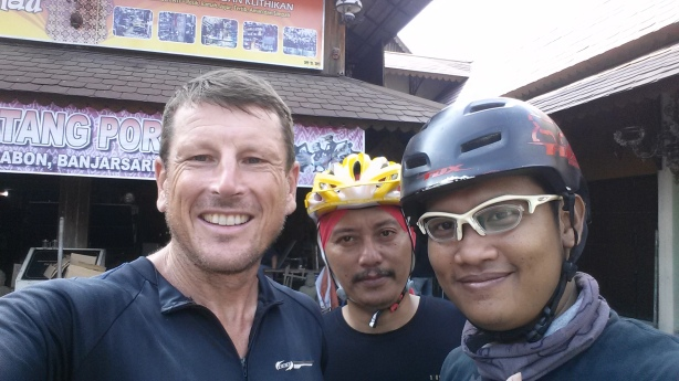 Cycling friends in Solo
