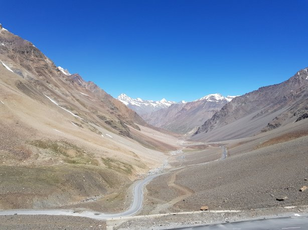 Descending the Baralacha Pass
