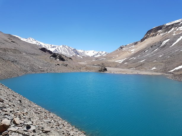 Lake at the top of the Baralacha Pass