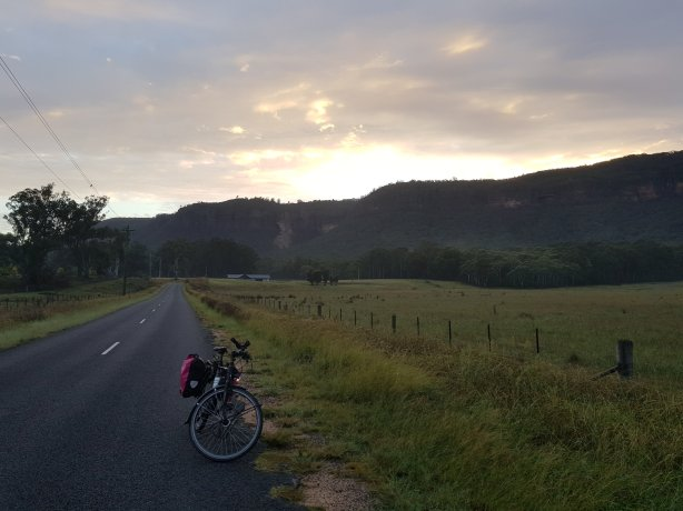 Early morning on the Megalong Valley Road
