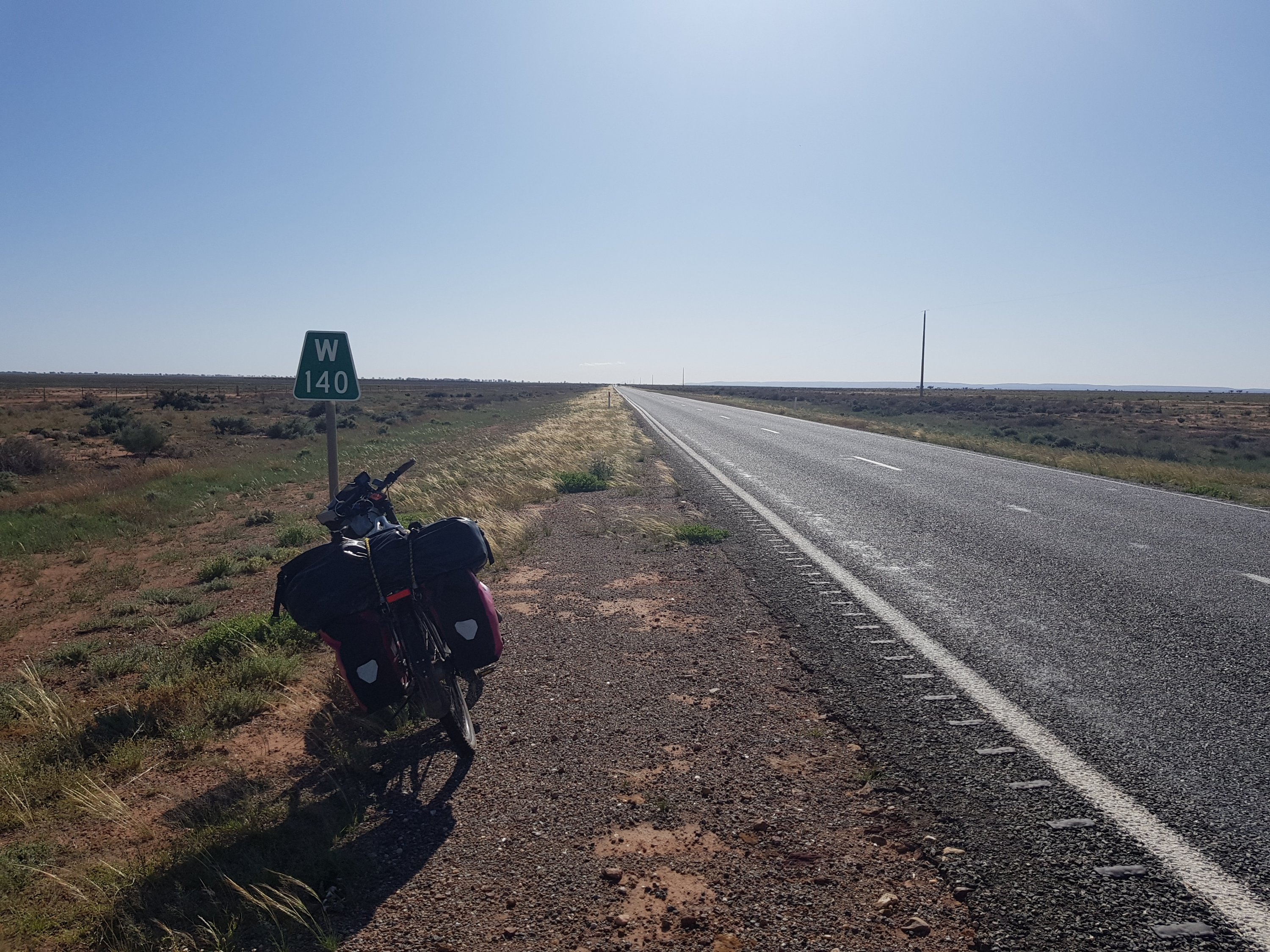 The road to Wilcannia